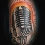 Mikrofon Tattoo- oldschool von Manny, Peckstage